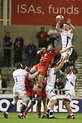 Ben Curry catches the ball during the European Rugby Challenge Cup match between Sale Sharks and Toulouse at the AJ Bell Stadium, Eccles, United Kingdom on 13 October 2017. Photo by George Franks.