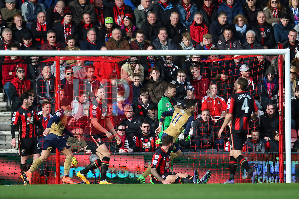 Goal, Mesut Ozil of Arsenal scores, Bournemouth 0-1 Arsenal - Mandatory by-line: Jason Brown/JMP - Mobile 07966 386802 07/02/2016 - SPORT - FOOTBALL - Bournemouth, Vitality Stadium - AFC Bournemouth v Arsenal - Barclays Premier League