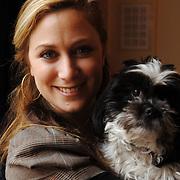 NLD/Amsterdam/20060131 - BN'er hondendiner, protest tegen gebruik proefdieren, Fabienne de Vries en hond