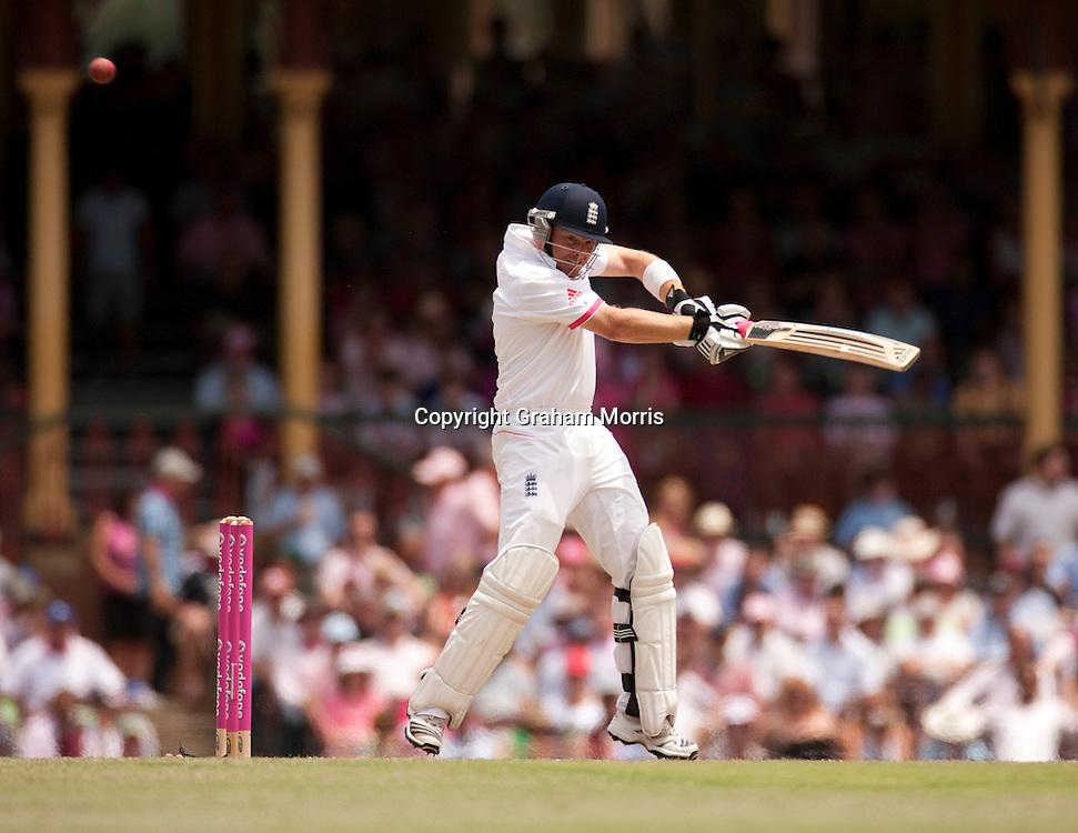 Ian Bell bats during his century in the fifth and final Ashes test match between Australia and England at the SCG in Sydney, Australia. Photo: Graham Morris (Tel: +44(0)20 8969 4192 Email: sales@cricketpix.com) 05/01/11