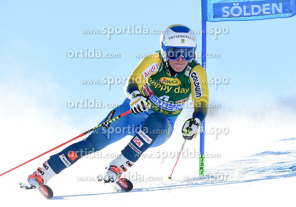 22.10.2016, Rettenbachferner, Soelden, AUT, FIS Weltcup Ski Alpin, Soelden, Riesenslalom, Damen, 1. Durchgang, im Bild Maria Pietilae-Holmner of Sweden // in action during 1st run of ladies Giant Slalom of the FIS Ski Alpine Worldcup opening at the Rettenbachferner in Soelden, Austria on 2016/10/22. EXPA Pictures © 2016, PhotoCredit: EXPA/ Erich Spiess