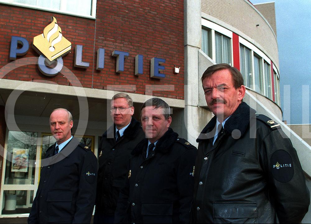 .hardenberg afdelingsteam vlnr j wilts w having r eleveld en chef h rouw....foto frank uijlenbroek©1997