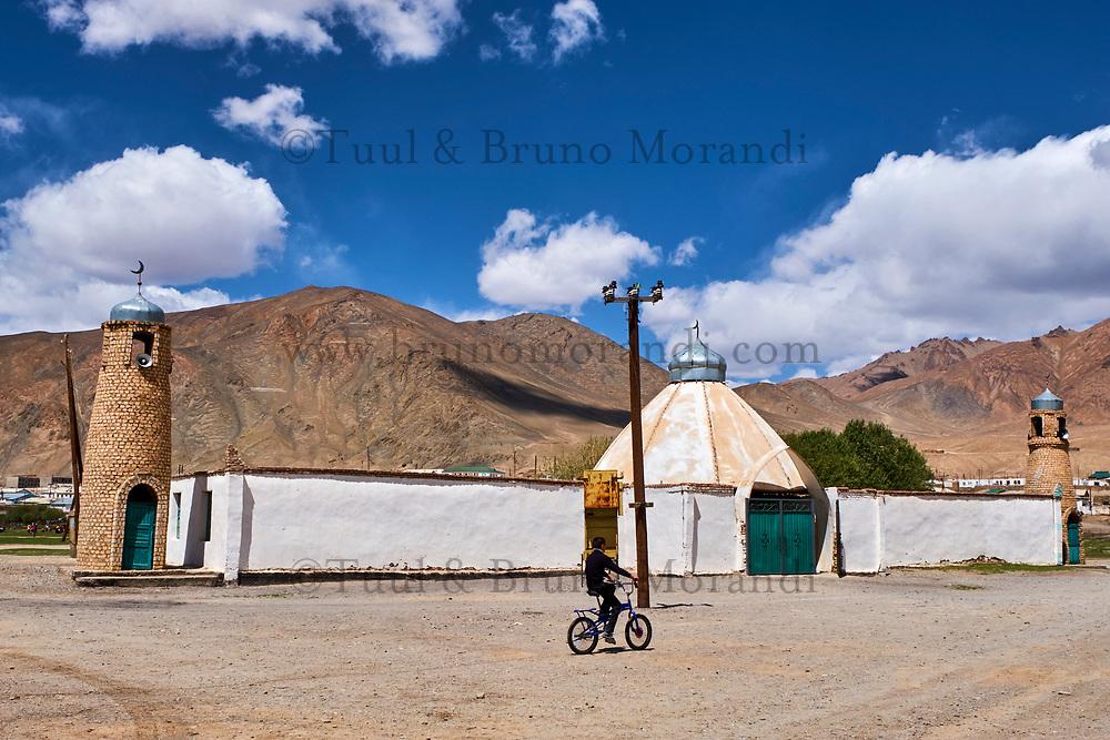 Tadjikistan, Asie centrale, Gorno Badakhshan, Haut Badakhshan, le Pamir, la Route du Pamir, ville de Mourgab à 3600m d'altitude, la mosquée // Tajikistan, Central Asia, Gorno Badakhshan, the Pamir, Wakhan valley, the Pamir highway, Murghab city at 3600 m altitude, the mosque
