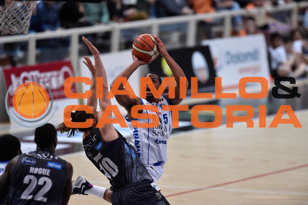 Bell David<br /> Dolomiti Energia Trento - Banco di Sardegna Sassari<br /> Lega Basket Serie A 2016/2017<br /> Venezia 08/04/2017<br /> Foto Ciamillo-Castoria