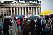 ROMA. UN PRETE FRANCESCANO PREGA IN PIAZZA SAN PIETRO ALLA VIGILIA DELLA BEATIFICAZIONE DI PAPA GIOVANNI PAOLO II;