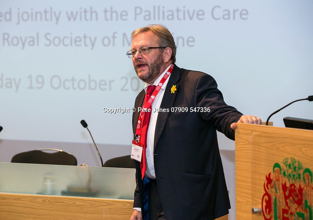 Marie Curie Palliative Care;<br /> Panel Discussion: guest speakers/Bill Noble;<br /> Round the Clock Conference 2016;<br /> Royal Soc of Medicine, Wimpole St, London;<br /> 19th October 2016.<br /> <br /> &copy; Pete Jones<br /> pete@pjproductions.co.uk