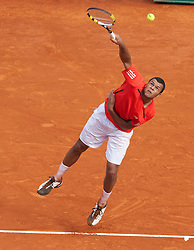MONTE-CARLO, MONACO - Thursday, April 15, 2010: Jo-Wilfried Tsonga (FRA) in action during the Men's Singles 3rd Round match on day four of the ATP Masters Series Monte-Carlo at the Monte-Carlo Country Club. (Photo by David Rawcliffe/Propaganda)