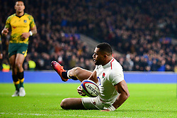 Joe Cokanasiga of England scores a try  - Mandatory by-line: Dougie Allward/JMP - 24/11/2018 - RUGBY - Twickenham Stadium - London, England - England v Australia - Quilter Internationals