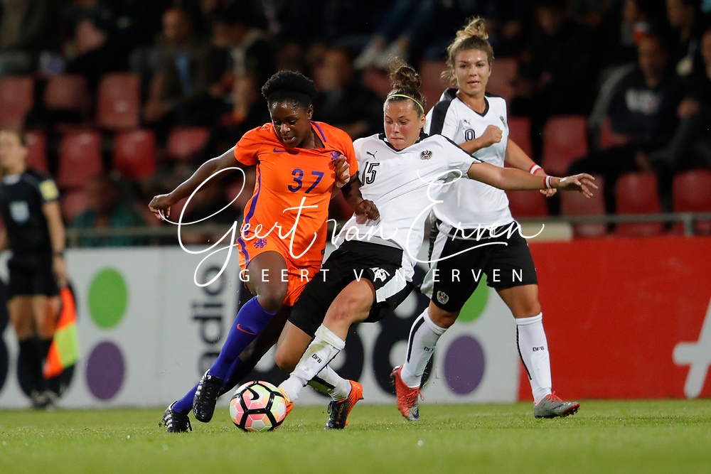 13-06-2017 VOETBAL:ORANJE VROUWEN-OOSTENRIJK:DEVENTER<br /> <br /> De oranje leeuwinnen wonnen met 3-0 van Oostenrijk in de Adelaarshorst in Deventer<br /> <br /> Liza van der Most van Oranje Leeuwinnen (Holland Women) <br /> <br /> Foto: Geert van Erven