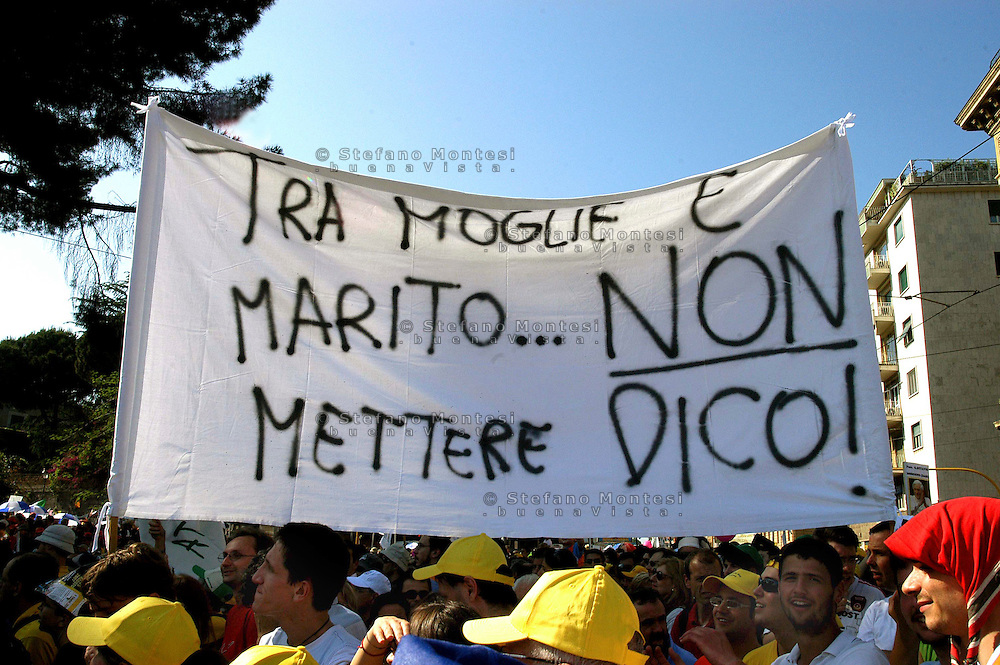 Rome 12 May 2007.People demonstraes during the 'Day of the Family' protest against a government plan to grant homosexual couples legal status, in front of the Basilica of Saint John Lateran in Rome
