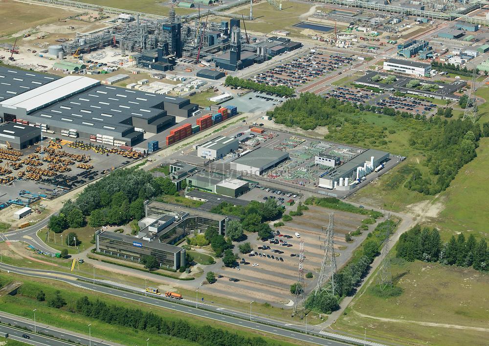 Service bedrijven op Waaslandhaven-Oost direct aan de A11/E34 Expressweg met activiteiten in onderhoud, logistiek en distributie.
