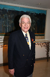 BARRY CRYER at the Lady Taverners Tribute lunch in honour of Ronnie Corbett held at The Dorchester Hotel, Park Lane, London on 3rd November 2006.<br /><br />NON EXCLUSIVE - WORLD RIGHTS