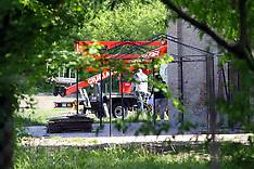 20120427 OCCUPAZIONE TETTO AGRITURISMO VIA VIGNE