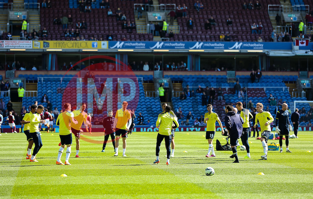Tottenham Hotspur players warm up - Photo mandatory by-line: Matt McNulty/JMP - Mobile: 07966 386802 - 05/04/2015 - SPORT - Football - Burnley - Turf Moor - Burnley v Tottenham Hotspur - Barclays Premier League