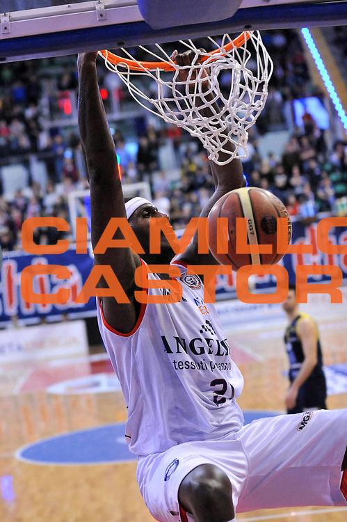 DESCRIZIONE : Biella Lega A 2012-13 Angelico Biella Sutor Montegranaro<br /> GIOCATORE : Kevinn Pinkney<br /> CATEGORIA : Schiacciata<br /> SQUADRA : Angelico Biella <br /> EVENTO : Campionato Lega A 2012-2013 <br /> GARA : Angelico Biella Sutor Montegranaro<br /> DATA : 01/04/2013<br /> SPORT : Pallacanestro <br /> AUTORE : Agenzia Ciamillo-Castoria/S.Ceretti<br /> Galleria : Lega Basket A 2012-2013  <br /> Fotonotizia : Biella Lega A 2012-13 Angelico Biella Sutor Montegranaro<br /> Predefinita :