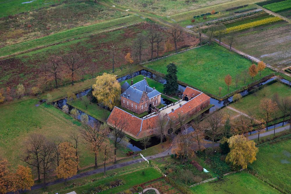Nederland, Limburg, Horst aan de Maas, 15-11-2010; Lottum, Kasteel De Borggraaf, klassieke Limburgse hof.The castle Borggraaf..luchtfoto (toeslag), aerial photo (additional fee required).foto/photo Siebe Swart