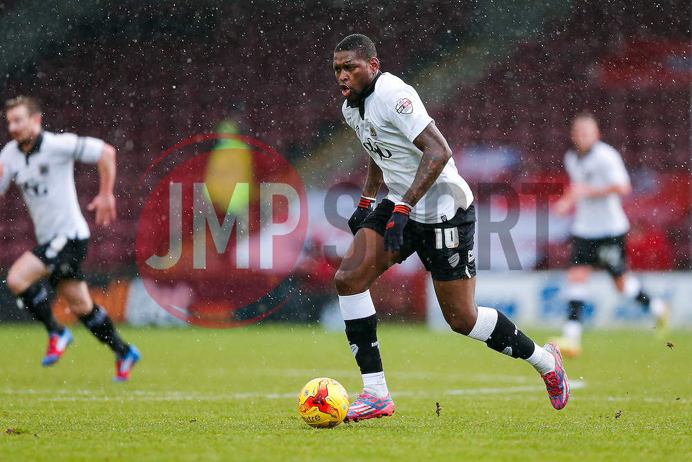 Jay Emmanuel-Thomas of Bristol City in action - Photo mandatory by-line: Rogan Thomson/JMP - 07966 386802 - 17/01/2015 - SPORT - FOOTBALL - Scunthorpe, England - Glanford Park - Scunthorpe United v Bristol City - Sky Bet League 1.