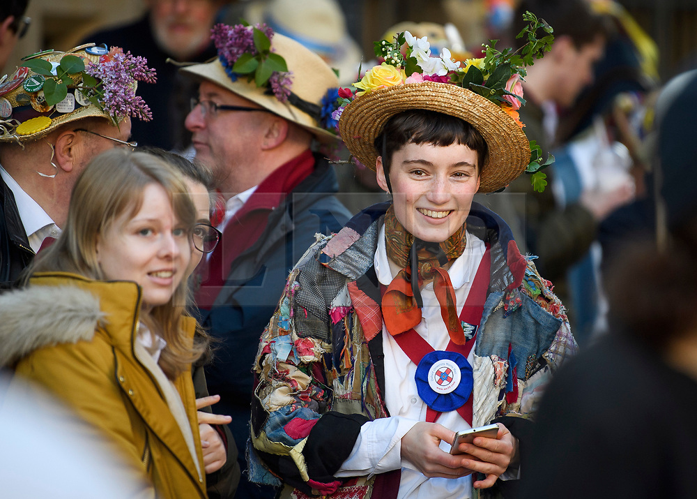"© Licensed to London News Pictures. 01/05/2018. Oxford, UK. A Morris dancer in dress prepares to dance next to Hertford Bridge, often called ""the Bridge of Sighs""  in Oxford, Oxfordshire as part of May Day celebrations. Students were again prevented from jumping from Magdalen Bridge in to the river, which has historically been a tradition, due to injuries at a previous years event . Photo credit: Ben Cawthra/LNP"