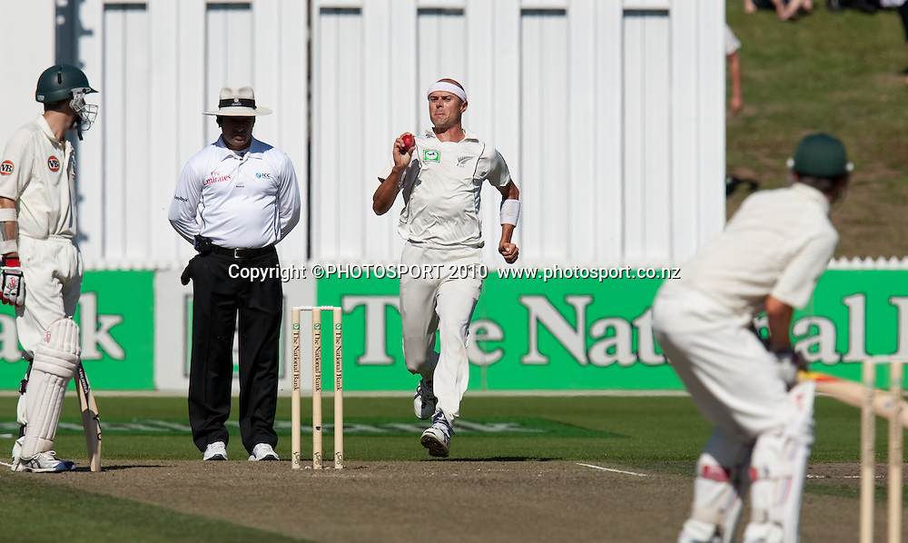 Chris Martin bowls during day one of the 2nd cricket test match between NZ Black Caps and Australia, at Seddon Park, Hamilton, 27 March 2010. Photo: Stephen Barker/PHOTOSPORT