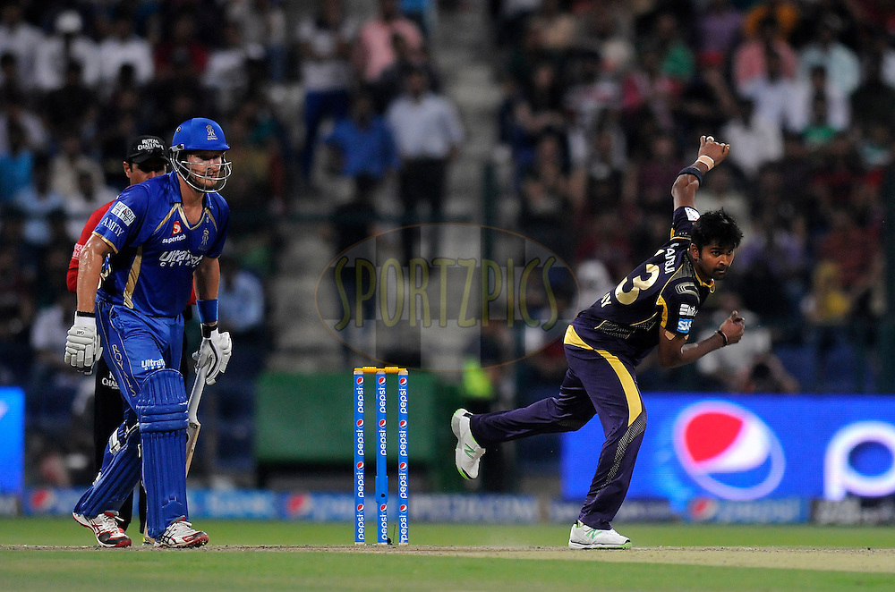 Vinay Kumar of the Kolkata Knight Riders bowls during match 19 of the Pepsi Indian Premier League 2014 Season between The Kolkata Knight Riders and the Rajasthan Royals held at the Sheikh Zayed Stadium, Abu Dhabi, United Arab Emirates on the 29th April 2014<br /> <br /> Photo by Pal Pillai / IPL / SPORTZPICS