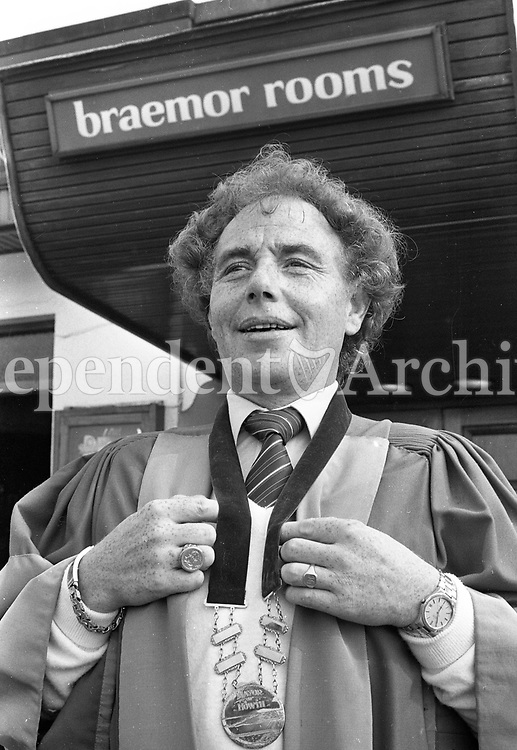 Singer and Lord Mayor of Howth Joe Cuddy, 03/08/1982 (Part of the Independent Newspapers Ireland/NLI Collection).