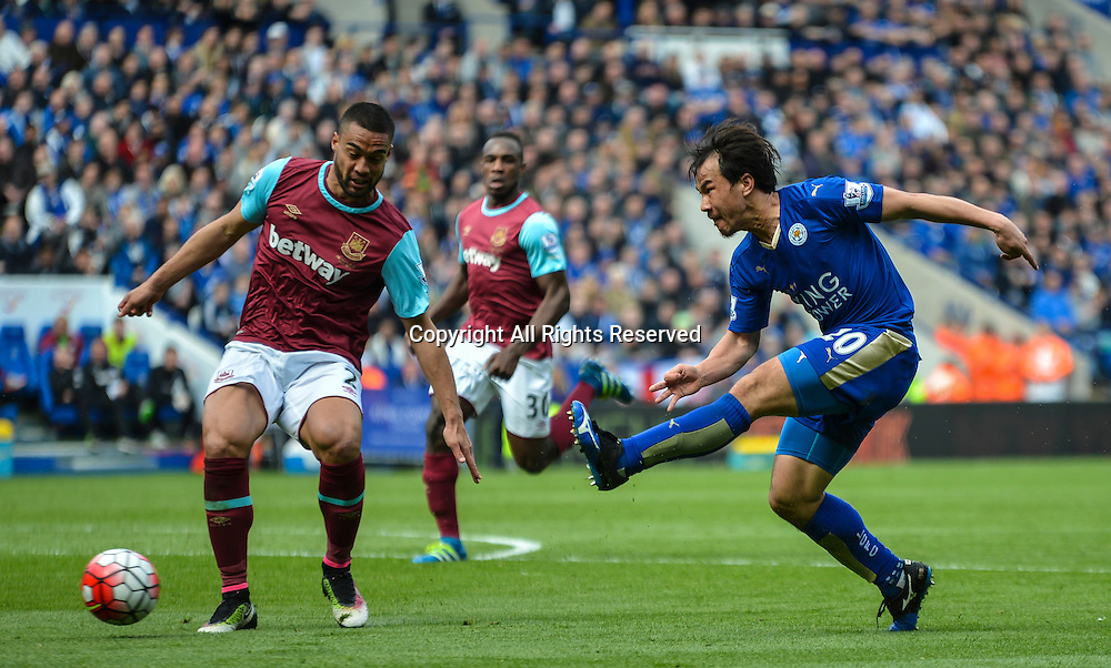 17.04.2016. King Power Stadium, Leicester, England. Barclays Premier League. Leicester City versus West Ham. Shinji Okazaki of Leicester City has a shot on goal.