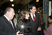 LAWRENCE DAVIES,  JOAN COLLINS AND PERCY GIBSON,  Joan Collins Turns On Burlington Arcade Christmas Lights, PICCADILLY, LONDON - NOVEMBER 20 2007. -DO NOT ARCHIVE-© Copyright Photograph by Dafydd Jones. 248 Clapham Rd. London SW9 0PZ. Tel 0207 820 0771. www.dafjones.com.