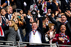 Aston Villa manager Dean Smith lifts the Sky Bet Championship Playoff Final Trophy after winning promotion to the Premier League - Mandatory by-line: Robbie Stephenson/JMP - 27/05/2019 - FOOTBALL - Wembley Stadium - London, England - Aston Villa v Derby County - Sky Bet Championship Play-off Final