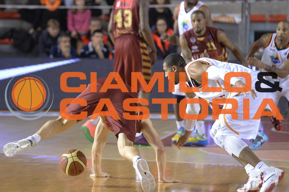 DESCRIZIONE : Campionato 2013/14 Acea Virtus Roma - Umana Reyer Venezia<br /> GIOCATORE : Quinton Hosley<br /> CATEGORIA : Palla Contesa Equilibrio Curiosit&agrave;<br /> SQUADRA : Acea Virtus Roma<br /> EVENTO : LegaBasket Serie A Beko 2013/2014<br /> GARA : Acea Virtus Roma - Umana Reyer Venezia<br /> DATA : 05/01/2014<br /> SPORT : Pallacanestro <br /> AUTORE : Agenzia Ciamillo-Castoria / GiulioCiamillo<br /> Galleria : LegaBasket Serie A Beko 2013/2014<br /> Fotonotizia : Campionato 2013/14 Acea Virtus Roma - Umana Reyer Venezia<br /> Predefinita :