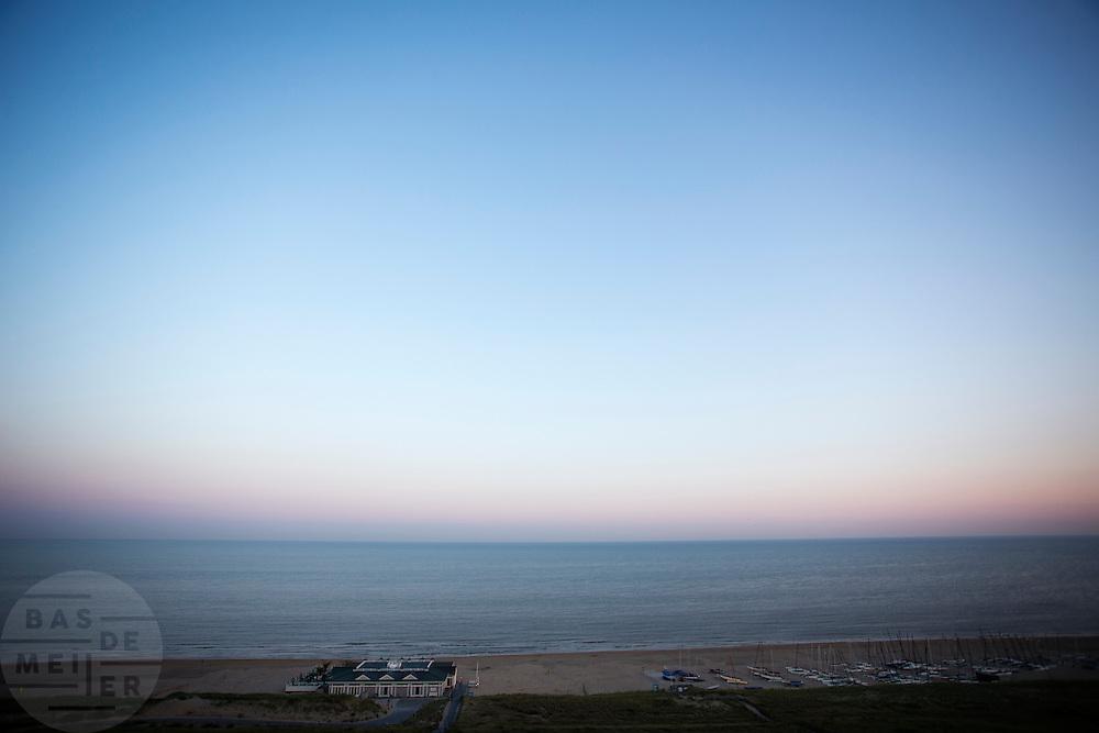 Het strand bij Noordwijk aan Zee.<br /> <br /> The North Sea beach near Noordwijk aan Zee.