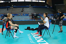 Stacy Sykora interviews Belgium Lise Van Hecke