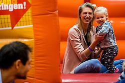 06-01-2018 NED: DELA Beach Open day 4, Den Haag<br /> Entertainment voor de jeugd in het Dela Beach Huis. Manon Nummerdor Flier en Milou