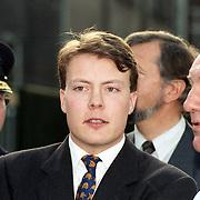 NLD/Leiden/19940429 - Start Singelloop 1994 in Leiden door prins Constantijn