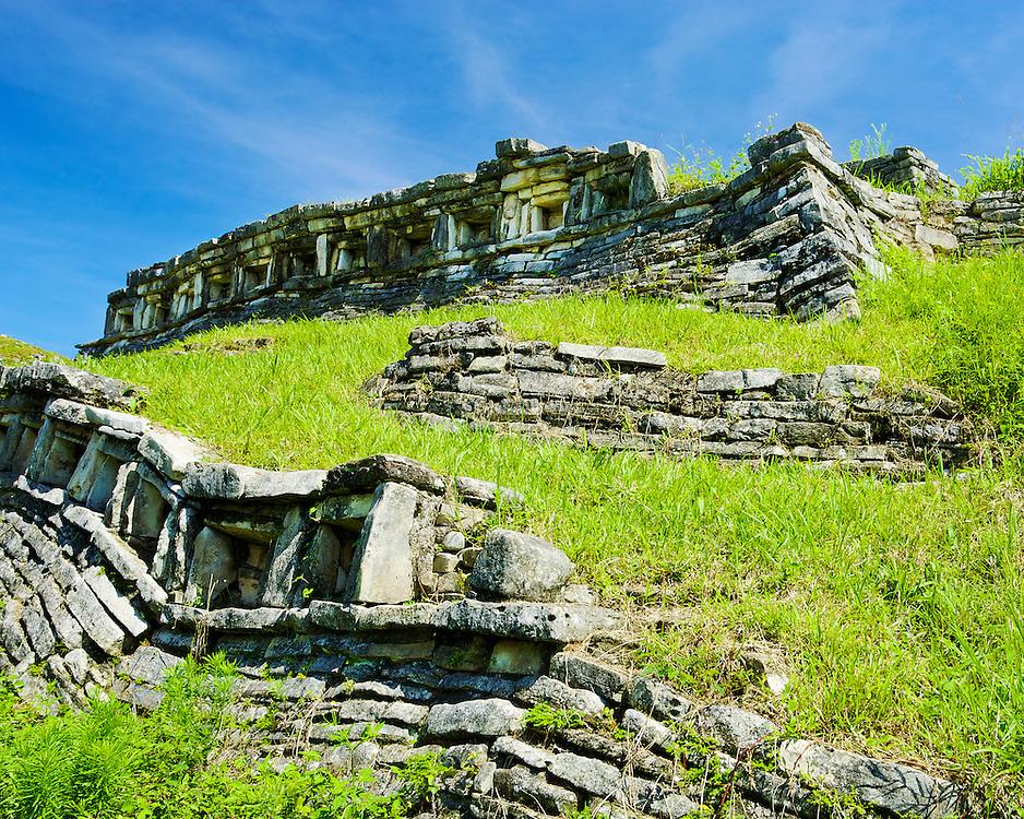 Earth and stone, Yohualichan, México.