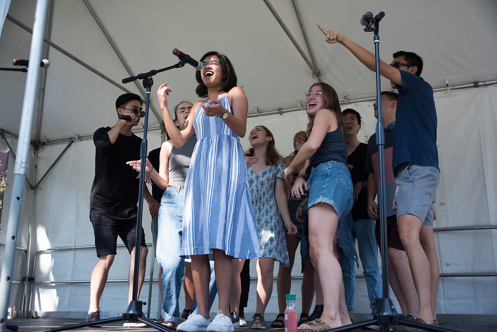 9/24/17 – Medford/Somerville, MA – A cappella performs during Tufts Community Day on September 24. (Seohyun Shim / The Tufts Daily)