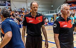 04-06-2016 NED: Nederland - Duitsland, Doetinchem<br /> Nederland speelt de tweede oefenwedstrijd in Doetinchem en verslaat Duitsland opnieuw met 3-1 / Coach Vital Heijnen, Ass. Coach Redbad Strikwerda