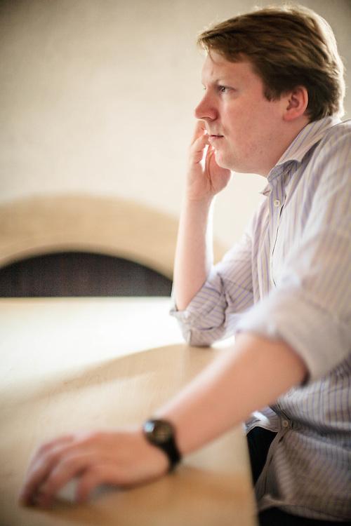 """17 JUL 2008 - Castrette (TV) - Cameron Sinclair, architetto, nella sede di """"Fabrica""""."""