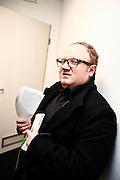 Frankfurt am Main | 01.11.2010..Geiger David Garrett live in der Festhalle in Frankfurt am Main, hier: BILD-Reporter Joerg Ortmann Backstage in der Festhalle...©peter-juelich.com..[No Model Release | No Property Release]