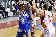 DESCRIZIONE : Roma Lega A 2014-2015 Acea Roma Banco di Sardegna Sassari<br /> GIOCATORE : David Logan<br /> CATEGORIA : passaggio<br /> SQUADRA : Banco di Sardegna Sassari<br /> EVENTO : Campionato Lega A 2014-2015<br /> GARA : Acea Roma Banco di Sardegna Sassari<br /> DATA : 02/11/2014<br /> SPORT : Pallacanestro<br /> AUTORE : Agenzia Ciamillo-Castoria/GiulioCiamillo<br /> GALLERIA : Lega Basket A 2014-2015<br /> FOTONOTIZIA : Roma Lega A 2014-2015 Acea Roma Banco di Sardegna Sassari<br /> PREDEFINITA :