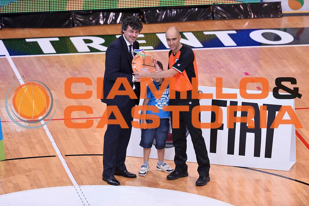 DESCRIZIONE : Trento Nazionale Italia Uomini Trentino Basket Cup Italia Belgio Italy Belgium<br /> GIOCATORE : Terreni<br /> CATEGORIA : Arbitri premiazioni<br /> SQUADRA : Arbitri<br /> EVENTO : Trentino Basket Cup<br /> GARA : Italia Belgio Italy Belgium<br /> DATA : 12/07/2014<br /> SPORT : Pallacanestro<br /> AUTORE : Agenzia Ciamillo-Castoria/GiulioCiamillo<br /> Galleria : FIP Nazionali 2014<br /> Fotonotizia : Trento Nazionale Italia Uomini Trentino Basket Cup Italia Belgio Italy Belgium
