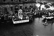 17/03/1964<br /> 03/17/1964<br /> 17 March 1964<br /> St. Patrick's Day Parade, Dublin. Bord na Mona float in the parade on Westmoreland Street.