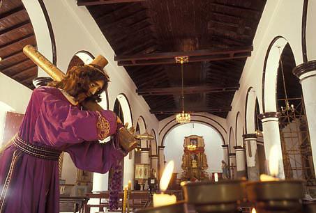 Imagen del Nazareno con la cruz, Catedral de El Pao,  Edo. Cojedes, Venezuela.
