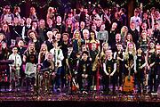 Koningin Maxima met de Grootste Schoolband van Nederland tijden het Kerst Muziekgala 2017 in Ahoy<br /> <br /> Queen Maxima with the Greatest School Band of the Netherlands during the Christmas Music Gala 2017 in Ahoy