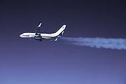 Boeing 737-800 BBJ contrail