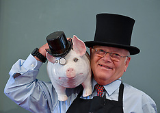 Rare pig in top hat pottery figure goes under the hammer, Edinburgh, 12 August 2019