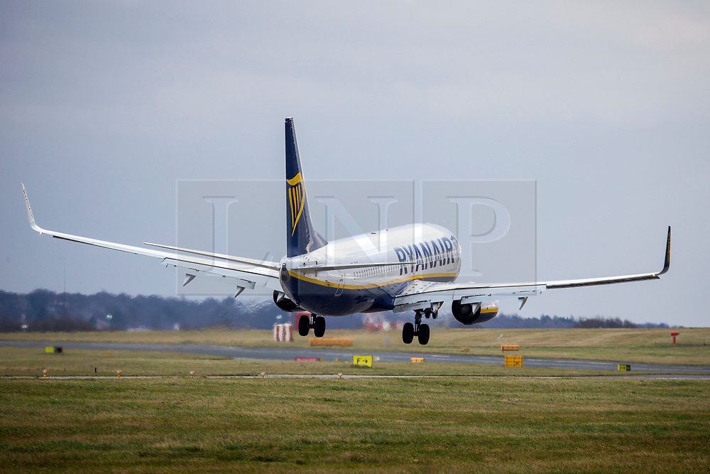 © Licensed to London News Pictures. 06/01/2020. Leeds UK. A Ryanair aircraft arriving from Gdansk has a bumpy landing in strong winds at Leeds Bradford airport as the Met Office issues a weather warning for the north of the UK. Photo credit: Andrew McCaren/LNP