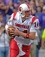 Louisville quarterback Hunter Cantwell rolls outside against Kansas State at Bill Snyder Family Stadium in Manhattan, Kansas, September 23, 2006.  The 8th ranked Louisville Cardinals beat K-State 24-6.