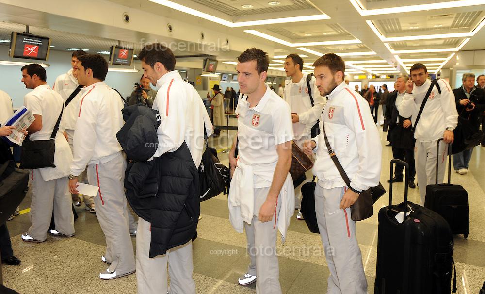 FUDBAL, BEOGRAD, 10. Oct. 2010. - Odlazak reprezentacije Srbije sa beogradskog aerodroma na mec kvalifikacija za EP 2012 protiv Italije u Djenovi. Foto: Nenad Negovanovic