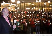 """M. Pierre Arcand, ministre du Développement durable, de lEnvironnement et des Parcs, lors du rassemblement """"Une heure pour la Terre!"""", 5e anniversaire. Eteignez vos lumières pour affirmer votre appui à la lutte contre le réchauffement climatique. WWF-Canada /  Esplanade de la place des Arts / Montreal / Canada / 2012-03-31, © Photo Marc Gibert / adecom.ca"""