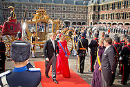 16-9-2014 THE HAGUE -  Prinsjesdag Queen Maxima and King Willem-Alexander arrive with the Gouden Koets for the presentation of the dutch 2015 budget memorandum and the opening of the parliamentary year in The Hague. COPYRIGHT ROBIN UTRECHT